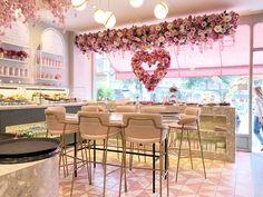 Rückblick: Brunch im Elan Cafe - Interior Ideas Cake Shop Design, Coffee Shop Design, Cafe Design, Store Design, Bakery Interior, Restaurant Interior Design, Bakery Decor, Beauty Salon Interior, Salon Interior Design