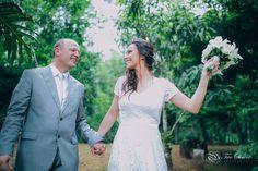 Tem casamento no blog!! Corre lá http://ift.tt/2jErPwy  #casamento #casamentodedia #wedding #weddingday #bride #bouquet #bouquetdenoiva #vestidodenoiva #weddingdress #noivos #noiva #bride #love #felicidade #happiness #sorriso #casededia #blogdanoiva