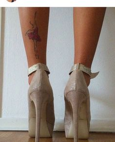 Women leg placement for tattoo