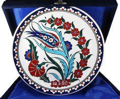 Zarif Lale 25cm Ceramic Plates, Ceramic Art, Arabian Art, Cup Art, Ceramic Figures, Stencil Painting, Pottery Painting, Tile Art, Art Dolls