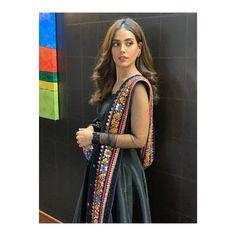 Asian Bridal Dresses, Bridal Outfits, Shraddha Kapoor Cute, Iqra Aziz, Just Girly Things, Pakistani Actress, Pakistani Dresses, Dress Collection, Indian Fashion