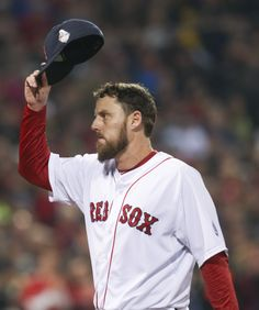 Lackey tips his cap to the Fenway crowd