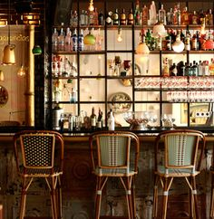 Under literary name of 'Café Kafka' the local is presented as a cosmopolitan Bistro of Bohemian and cosy atmosphere...Carrer Fusina, 7