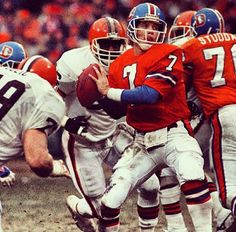 Denver Broncos: John Elway #7