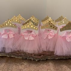 Pink and gold Minnie Mouse Piñata!Gold Minnie Mouse Party favors, gold Minnie Mouse party, (This Price is only for the piñata) Baby Shower Centerpieces, Party Centerpieces, Baby Shower Decorations, Princess Birthday Party Decorations, Princess Party Favors, Pink Und Gold, Ballerina Party, Baby Shower Princess, Minnie Mouse Party