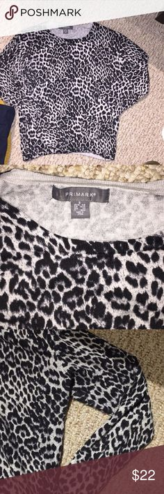 Light knit patterned sweater Leopard long sleeve sweater. Thin, crew neck, fitted primark Sweaters Crew & Scoop Necks