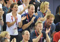 Will y Harry se levantaron y gritaron junto a Kate durante los Juegos Olímpicos de Londres 2012.