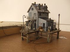 Concept Modeling For Easy Clay Sculptures: – Picture : – Description Models for seaport railroad by Tom McInerney Sr. Easy Clay Sculptures, Sculpture Clay, Ceramic Sculptures, Pc Minecraft, Tiny World, Model Train Layouts, Miniature Houses, Mini Houses, Model Building