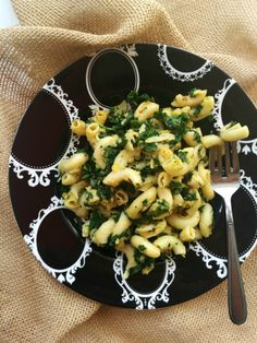 Kale Mac and Cheese Delicious cheesy Kale Mac & Cheese with fresh or your leftover mac & cheese and I suggest you to make it as it's seriously delicious. Even Kale haters won't mind!! NaiveCookCooks.com