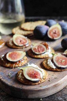 Fig Appetizer, Cheese Appetizers, Yummy Appetizers, Appetizer Recipes, Appetizer Ideas, Party Appetizers, Goat Cheese Recipes, Fig Recipes, Holiday Recipes
