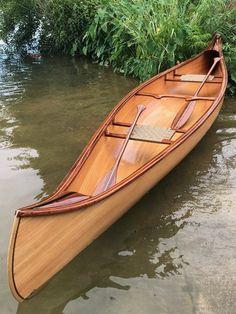 Douglas Fir and Mahogany Canoe Hiawatha) Douglasie und Mahagoni-Kanu 'Hiawatha) Wood Canoe, Wooden Kayak, Canoe Boat, Canoe And Kayak, Canoe Camping, Kayak Paddle, Sailing Boat, Canoe Trip, Canoe Plans