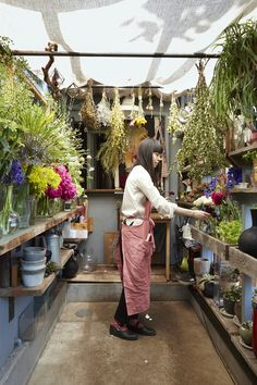 Hidden in a quiet Tokyo alley near the Meiji Shrine's subway station, The Little Shop of Flowers feels a world away from the teeming crowds of the nearby Harajuku and Shibuya districts.