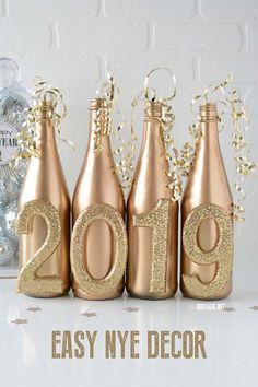 27 Awesome Diy New Years Eve Decor Ideas. If you are looking for Diy New Years Eve Decor Ideas, You come to the right place. Here are the Diy New Years Eve Decor Ideas. This article about Diy New Ye. New Years Wedding, New Years Eve Weddings, New Years Party, Nye Party, Gatsby Party, Silvester Diy, New Year's Eve 2019, New Year Diy, New Years Eve Day