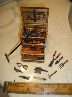 Miniature tool chest by David Brookshaw. My Pa Lawrence used to make these… Miniature Crafts, Miniature Dolls, Miniature Furniture, Dollhouse Furniture, Diy Dollhouse, Dollhouse Miniatures, Vitrine Miniature, Tiny World, Mini Things