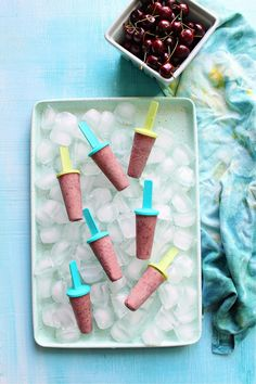 [ad] Looking for ice pops recipes? Need ice popsicles recipes? Want some new powdered peanut butter recipes? Click through to learn how to make protein-packed ice pops for kids or adults. These homemade fruit ice pops are delicious and have no added sugar, just a little dash of protein from Naked Nutrition's powdered peanut butter. A powdered peanut butter made with JUST peanuts – no additives or fillers. Use this as a powdered peanut butter smoothie recipe too.