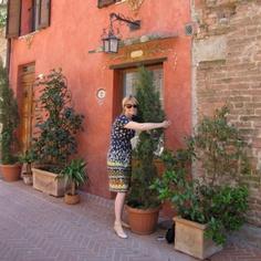 Hug a tree - applied Pilates in Tuscany