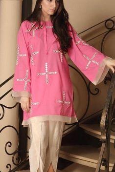 Stylish Dresses For Girls, Stylish Dress Designs, Designs For Dresses, Casual Dresses, Dresses For Work, Dress Work, Trendy Outfits, Pakistani Fashion Party Wear, Pakistani Fashion Casual