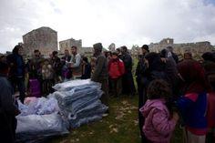 Občianska vojna v Sýrii si už vyžiadala takmer 70 000 ľudských životov. Štyri milióny ľudí momentálne urgentne potrebujú humanitárnu pomoc. Rodin, Laundry, Syria, Laundry Room, Laundry Rooms