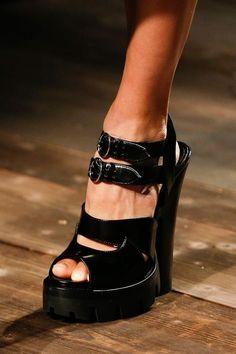 moodboard Unique Shoes, Cute Shoes, Me Too Shoes, Trendy Shoes, Love Fashion, Fashion Shoes, Milan Fashion, French Fashion, Runway Fashion