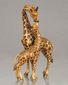 Mother & Baby Giraffe Figure by Jay Strongwater - beautiful accent piece. these figurines cost almost as much as a real Safari Giraffe Decor, Giraffe Art, Elephant, Giraffe Ring, Animals And Pets, Baby Animals, Cute Animals, Giraffe Figurine, Okapi