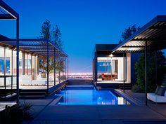 marmol radziner erects prefabricated las vegas house in desert landscape