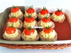 malzemeler: köftesi: 1 yumurta tuz,karabiber. 1 yumurta akı 1/2 kğ orta yağlı dana kıyma 4 yemek kaşığı galeta ...