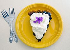 No-Bake Double Blueberry Pie with Gingersnap Crust