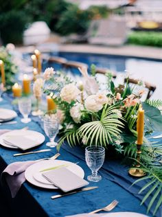 La Tavola Fine Linen Rental: Velvet Navy with Tuscany Silver Napkins | Photography: INGAVEDYAN Wedding Photography, Creative Direction, Styling & Art Direction: Donny Zavala Photography, Floral Design: Catalina Neal, Furniture Rentals, Les Saisons, Tabletop Decor: Maison de Ware