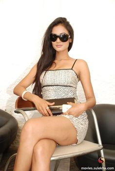 Sonal Chauhan | Posted byerd at 1:28 PM 0comments