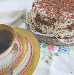 Kodin Kuvalehti – Blogit | Keittiömestaripäivä – Schwarzwaldinkakun savolainen serkku Tiramisu, Ethnic Recipes, Food, Essen, Meals, Tiramisu Cake, Yemek, Eten
