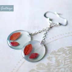 Items similar to Leaves Earrings - fall jewelry nature earrings preserved nature woodland jewelry fall trends fall wedding, gift for a woman, gift under 30 on Etsy Fall Jewelry, Jewelry Crafts, Handmade Jewelry, Diy Resin Art, Diy Resin Crafts, Resin Jewelry Making, Diy Jewelry Inspiration, Accesorios Casual, Resin Necklace
