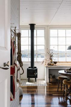 Marnie Hawson, purpose-driven interior, travel and lifestyle photographer — Captain's Rest, Lettes Bay, for Country Style magazine Cozy Cabin, Cozy Cottage, Country Style Magazine, Waterfront Cottage, Interior And Exterior, Interior Design, A Frame Cabin, Living Spaces, Living Room