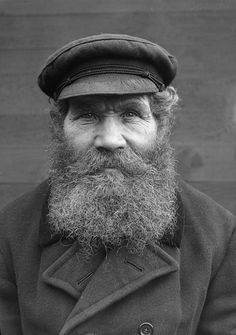 Gustafsson, Margretelund, Uppland, Sweden black and white portrait beard Old Man Pictures, Old Photos, Vintage Photos, Old Fisherman, Sea Captain, Epic Beard, Long Beards, Black And White Portraits, Photo Reference