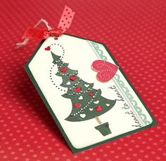 A link to great holiday #DIY tag ideas from #CTMH!