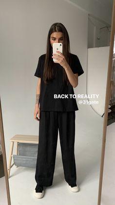 Look Fashion, Daily Fashion, Korean Fashion, Fashion Outfits, Fashion Design, Casual Outfits, Summer Outfits, Monochrom, Street Style