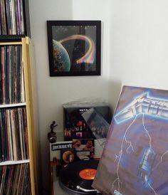 #Metallica - #RideTheLightning  #collection #Rainbow #vinylcollectionpost #rockandroll #metalvinyl #vinyl #vinylcollection #vinil #vinilo #vitrola #turntable #vinyljunkie #recordcollection #vinylporn #vinylpossessed #recordcollector #lp #vinyladdict #vinylcommunity #instavinyl #thrashmetal #speedmetal #heavymetal #45rpm #33rpm #nowspinning by grungerafael