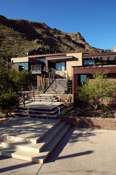 Home 401 - Situated in Tucson, Arizona, this modern single family residence was designed in 2010 by Kevin B Howard Architects.   Home Adore