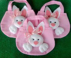 Easter Season, Chocolates, Felt Diy, Easter Bunny, Embellishments, Little Girls, Hello Kitty, Christmas Ornaments, Holiday Decor