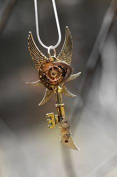 eye of horus/key/wing necklace