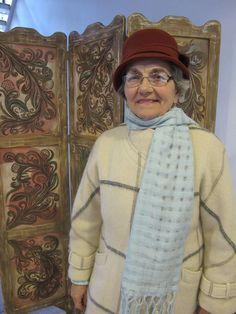 De peste 50 de ani Lăzărica Popescu țese covoare și tapiserii | Adela Pârvu - Interior design blogger Interior, Design, Style, Swag, Indoor, Interiors, Outfits