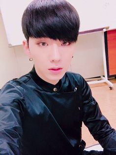 (170408) Kihyun's Fancafe update  Monbebes, good job today as well! See you tomorrow at Inkigayo!    translated by fymonsta-x ϟ