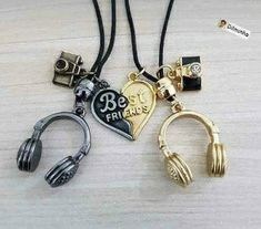 Best Gifts For Friends Jewelry Bff Necklaces Ideas Bff Necklaces, Best Friend Necklaces, Best Friend Jewelry, Best Friend Rings, Key Necklace, Bracelets, Music Jewelry, Cute Jewelry, Jewelry Accessories