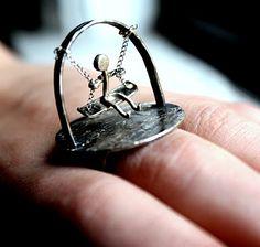 swinging ring!! awesome!!