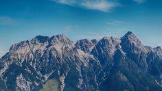 bossfight-free-high-stock-photos-mountains-stone-grass.jpeg (3024×1705)