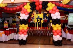 Balloon arch of mickeymouse Minnie Mouse Party, Mouse Parties, Balloon Arch, Balloons, Camilla, 2nd Birthday, Cake Pops, Fruit, Christmas