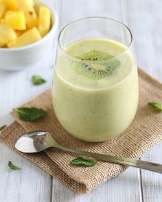 Pineapple kiwi mint smoothie.