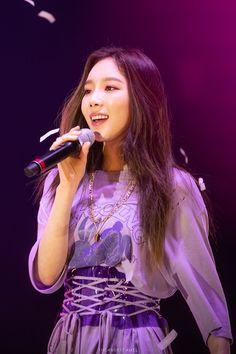 Taeyeon 190112 Solo Concert in singapore Sooyoung, Yoona, Snsd, Kim Hyoyeon, Kpop Girl Groups, Korean Girl Groups, Kpop Girls, Girls' Generation Taeyeon, Girls Generation