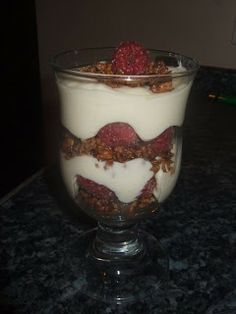 Slimming world recipes: white chocolate and raspberry dessert eden' Slimming World Deserts, Slimming World Puddings, Slimming World Diet, Slimming Word, Slimming Eats, Raspberry Desserts, Slimming World Recipes, White Chocolate, Raspberry Chocolate