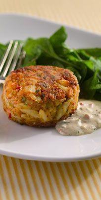 B's Famous New Orleans Style Crab Cakes - Just looking at these makes my mouth water.B's Famous New Orleans Style Crab Cakes - Just looking at these makes my mouth water. Crab Cake Recipes, Fish Recipes, Seafood Recipes, Donut Recipes, Lump Crab Meat Recipes, Creole Cooking, Cajun Cooking, Cooking Recipes, Cajun Food