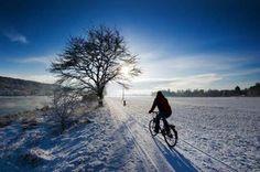Bici-dipendenti? 5 consigli per pedalare anche sulla neve sul nostro sito! Buon divertimento e prestate sempre attenzione   #bike #snow #trentino #consigli